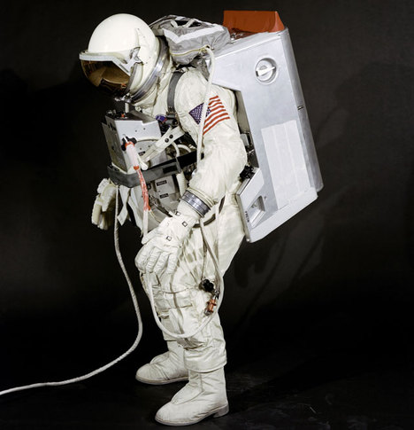 Mars - Apollo Spacesuit