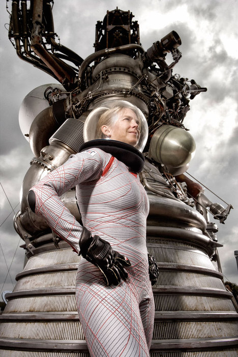 Inventor, Science and Engineering: Professor Dava Newman, MIT (Cambridge, MA); BioSuit Design: Guillermo Trotti, A.I.A., Trotti and Associates, Inc. (Cambridge, MA); Helmet Design: Michal Kracik, Trotti and Associates, Inc. (Cambridge, MA); Fabrication: Dianese (Vicenza, Italy).  Photographer: Douglas Sonders
