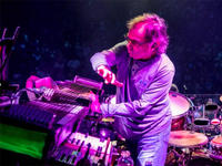 mickey hart playing drums