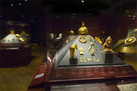 Case of Peruvian Gold © AMNH / Rod Mickens