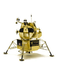 replica-of-lunar-module