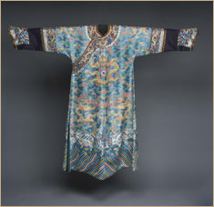 Chinese court robe (front): In the East Asian world, the dragon symbolizes imperial power. The dragons on this Chinese court robe rise from the water to the sky, bringing necessary rain. © D. Finnin/AMNH