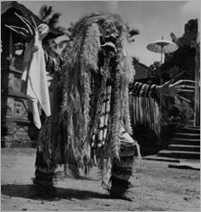 Rangda (Barong Dance) © Hulton Archive/Getty Images