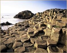 Basalt columns at the Giant's Causeway, County Antrim, Northern Ireland © D. Flaherty/Photo Researchers