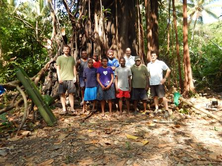 The Malakula field crew stands in front of a Banyan tree. © B. Mauck