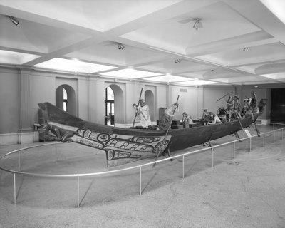 1962 Great Canoe in Grand Gallery with Figures