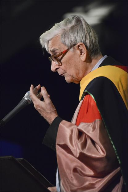 Dr. E.O. Wilson, who received an honorary degree at the October 27 commencement, spoke about the importance of scientific research. ©AMNH/R. Mickens