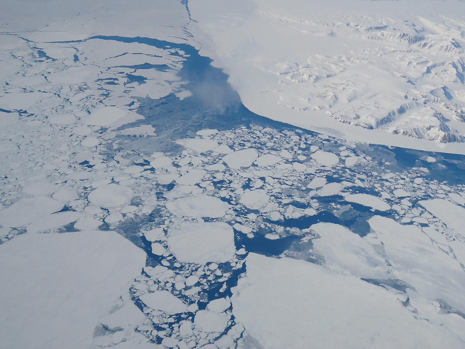 Aerial view ofGreenland glaciers melting