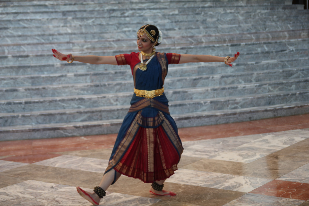 photo of Sloka Iyengar dancing