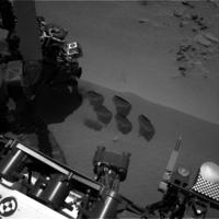 Curiosity Rover digging on Mars