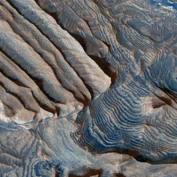 Rock Layering in Becquerel Crater on Mars