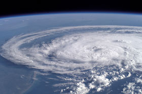 storms_01_hurricane_280