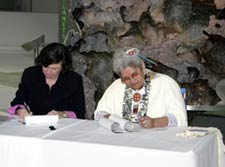 Museum president Ellen Futter and Grand Ronde Tribal Council chair Kathryn Harrison